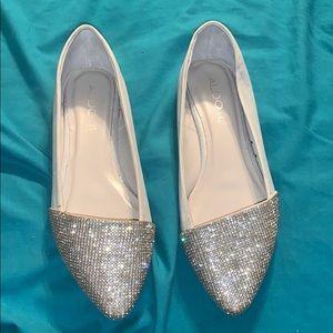 Womens Size 8 Pearl White Flats: Aldo